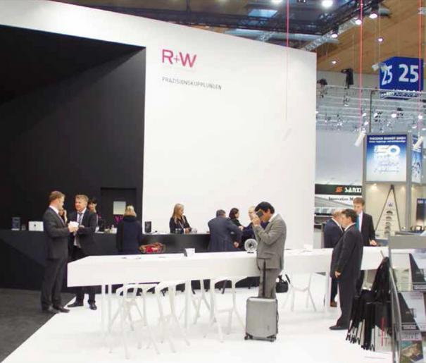 Стенд R+W на выставке в Ганновере
